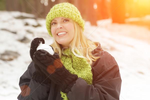 Mulher atraente neve inverno dia sorrir Foto stock © feverpitch