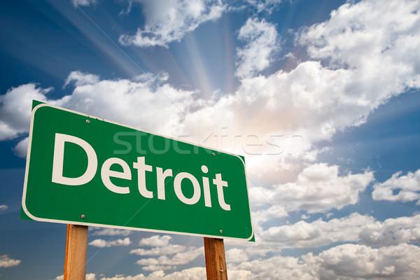 Detroit verde placa sinalizadora nuvens dramático céu Foto stock © feverpitch