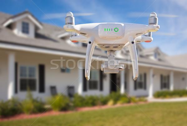 De volta aeronave voador casa céu tecnologia Foto stock © feverpitch