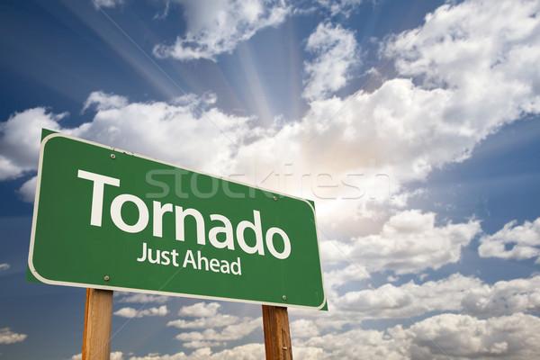 Stockfoto: Tornado · groene · verkeersbord · dramatisch · wolken · hemel