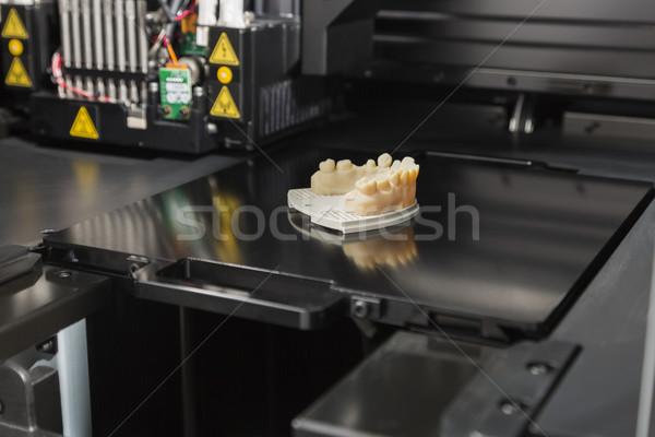 3D printer afgewerkt afgedrukt tandheelkundige implantaat Stockfoto © feverpitch