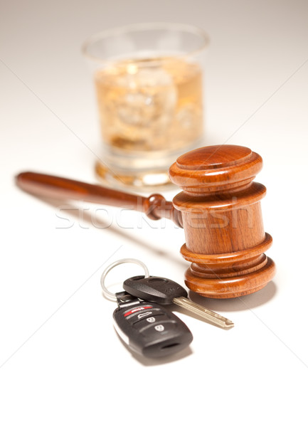 Foto stock: Martillo · las · llaves · del · coche · blanco · potable · conducción