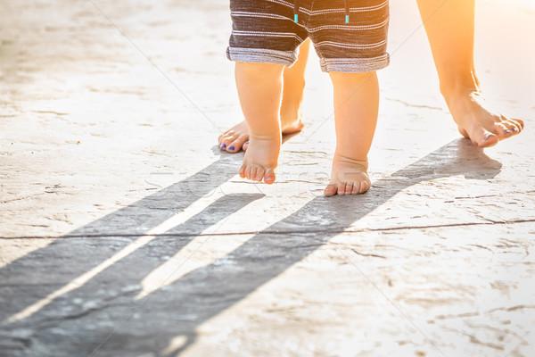 Anya baba láb elvesz lépcső kint Stock fotó © feverpitch