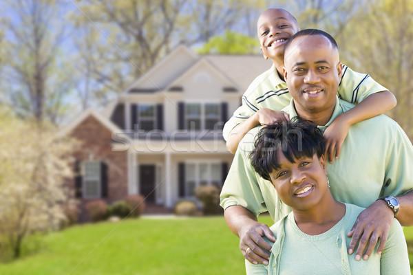 Afro-amerikaanse familie mooie huis gelukkig man Stockfoto © feverpitch