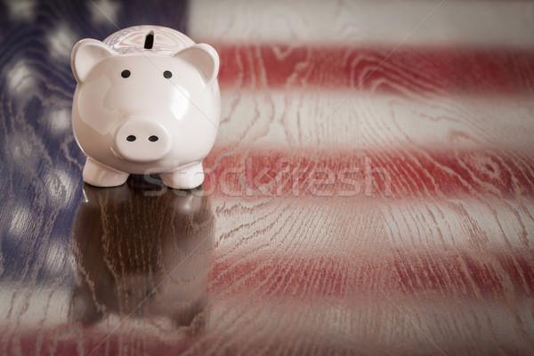 Tirelire drapeau américain réflexion table table en bois argent Photo stock © feverpitch