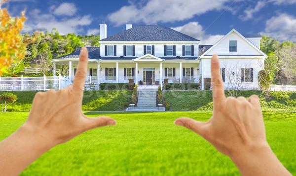 Stock fotó: Női · kezek · gyönyörű · ház · új · ház · fű