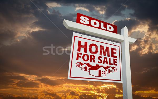 Stock fotó: Piros · eladva · otthon · vásár · ingatlan · felirat