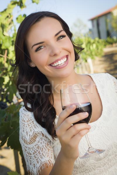 Mulher vidro vinho vinha Foto stock © feverpitch