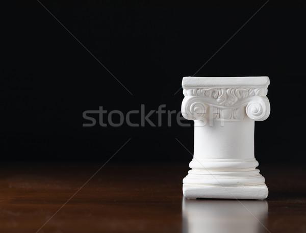 Branco iônico projeto coluna escuro arquitetura Foto stock © feverpitch