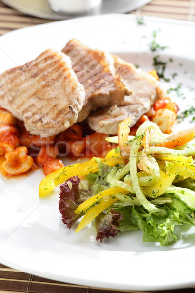 Fresco salada carne saboroso mesa de madeira fruto Foto stock © fiphoto
