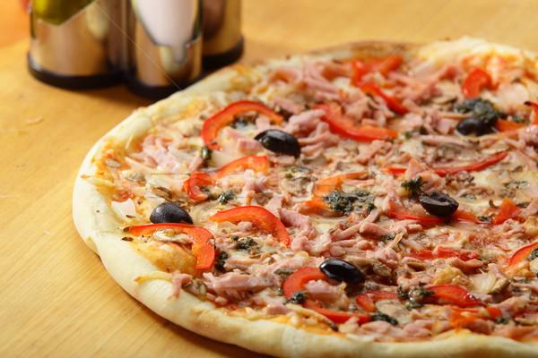 ホット ピザ おいしい 唐辛子 オリーブ チーズ ストックフォト © fiphoto