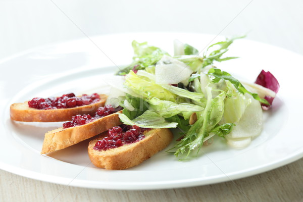 Fresco salada saboroso branco prato comida Foto stock © fiphoto