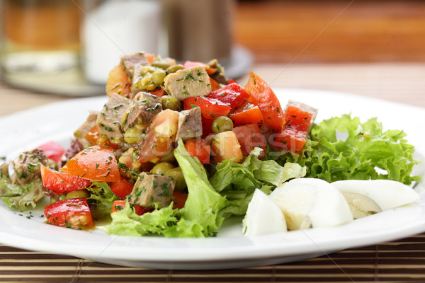 Fresco salada saboroso mesa de madeira folha verde Foto stock © fiphoto