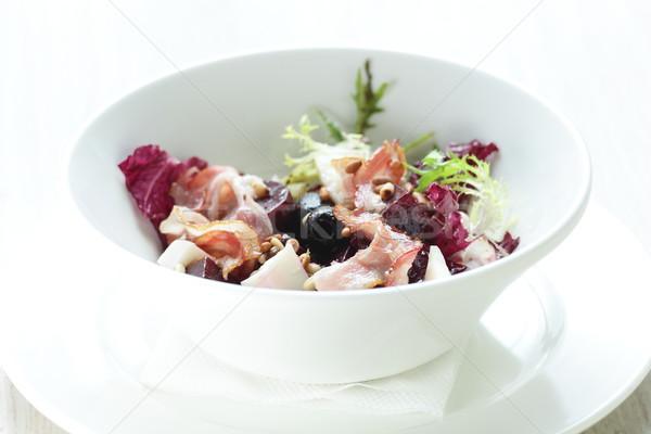 Fresco salada saboroso branco prato folhas Foto stock © fiphoto
