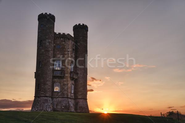 Broadway torre puesta de sol hierba castillo piedra Foto stock © fisfra