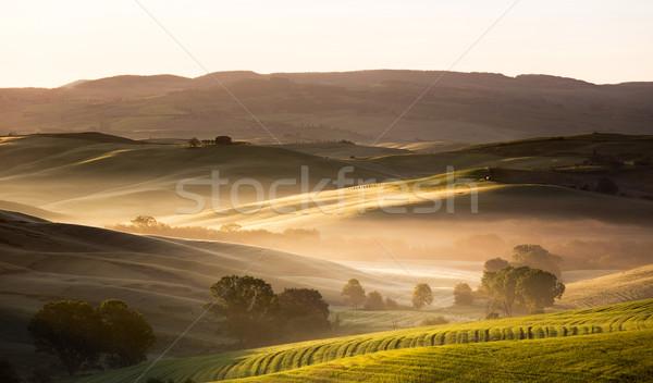 Hajnal Toszkána Olaszország ház naplemente farm Stock fotó © fisfra