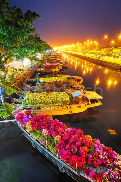 Hajók virág piac Vietnam folyó építészet Stock fotó © fisfra