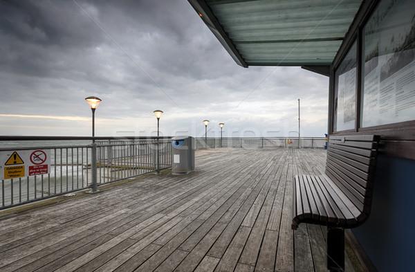 Pier plage mer bleu urbaine Photo stock © flotsom