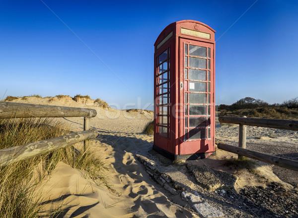 Oude Rood telefoon vak telefoon strand Stockfoto © flotsom