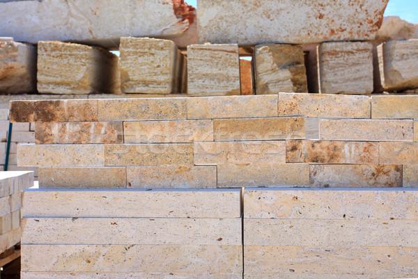 Kalksteen blokken klaar blauwe hemel bouw steen Stockfoto © fogen