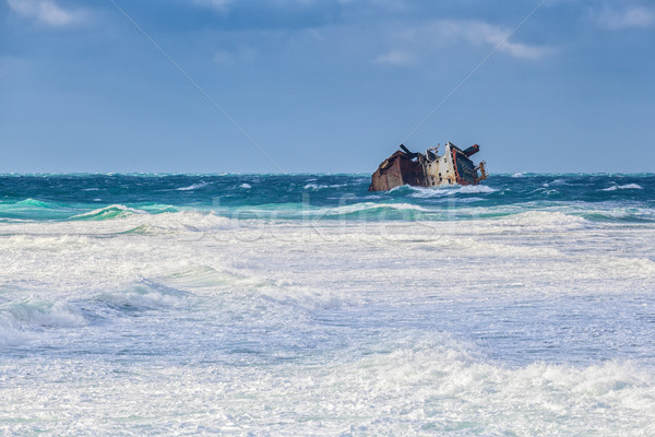 Naufragio tempesta distruggere surf spiaggia cielo Foto d'archivio © fogen