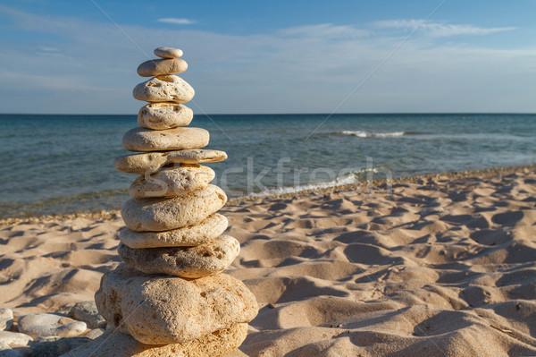 Steen strand evenwicht harmonie rotsen kust Stockfoto © fogen
