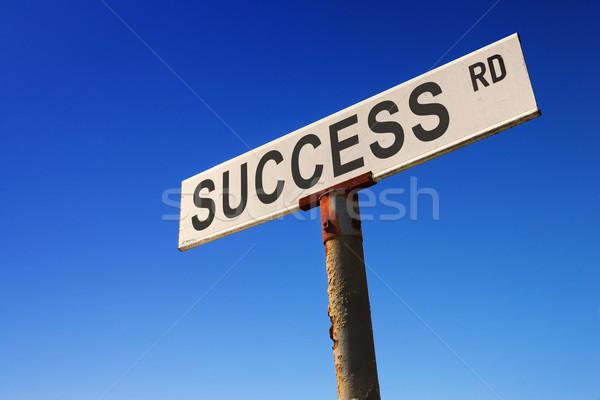 Signo cielo azul capeado edad senalización de la carretera imagen Foto stock © Forgiss