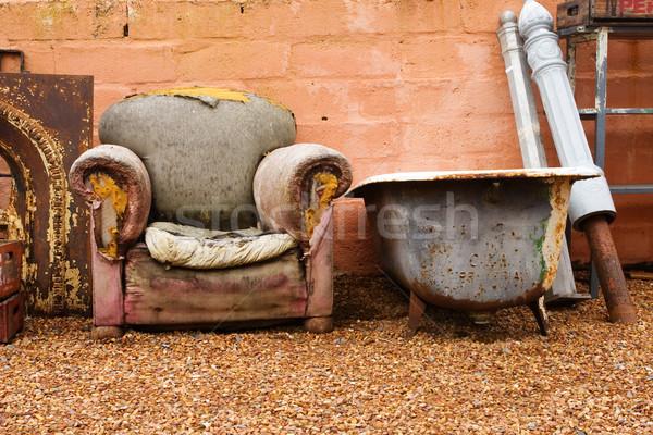 Antiguos bano edad silla vintage roto Foto stock © Forgiss
