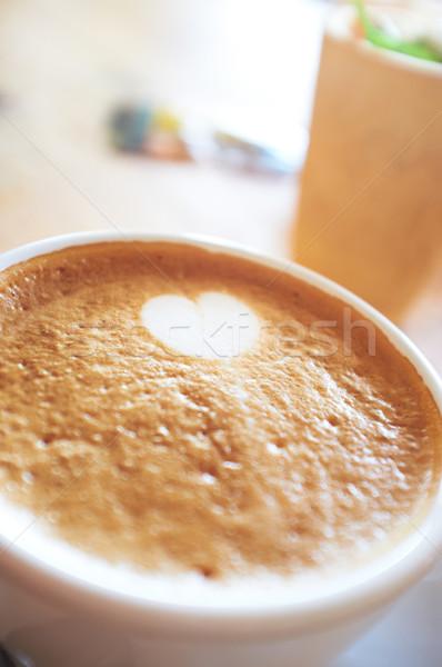 Mousseux cappuccino mousse faible blanche forme de coeur Photo stock © Forgiss