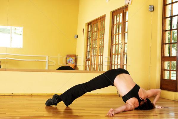 Danser 15 vrouwelijke oefenen studio vrouw Stockfoto © Forgiss