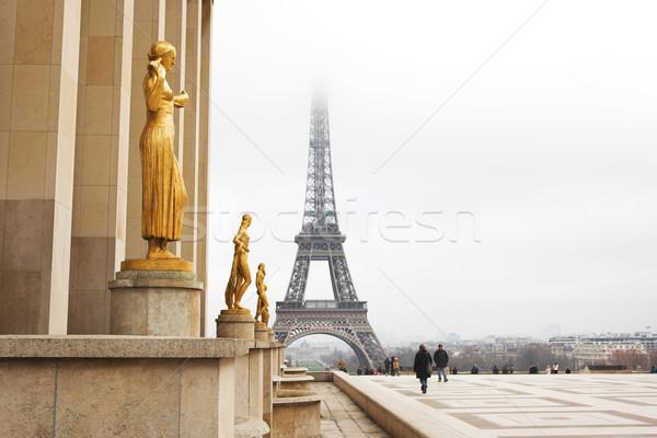 Parigi statua primo piano Torre Eiffel Francia Foto d'archivio © Forgiss