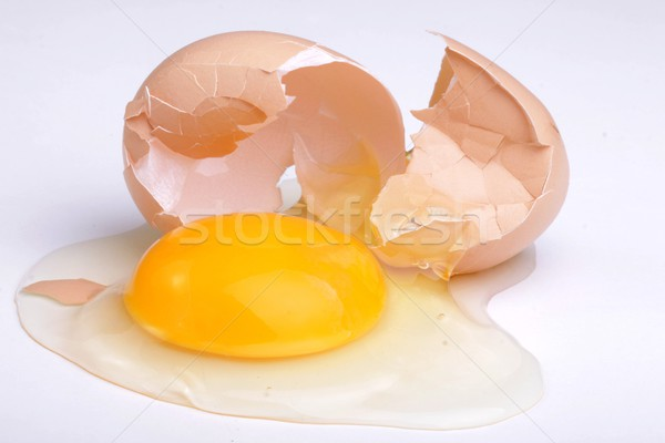 Tuorlo screpolato uovo alimentare sfondo farm Foto d'archivio © Fotaw
