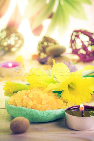 Estância termal perfumado vela sal banho flor Foto stock © fotoaloja