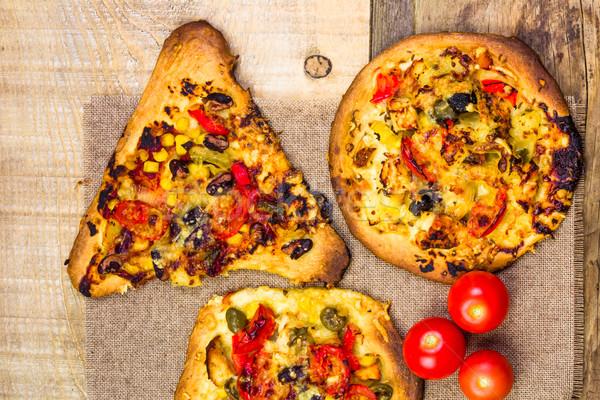 Primo piano tostato fette pizza alimentare legno Foto d'archivio © fotoaloja