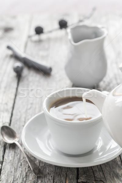 Melk beker zwarte koffie zwarte Stockfoto © fotoaloja