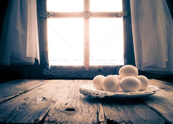 Vieux table de cuisine rural hutte matin oeuf Photo stock © fotoaloja