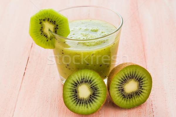 Dieta saludable jugo de fruta kiwi mesa de madera frutas retro Foto stock © fotoaloja