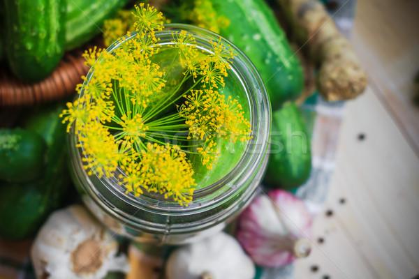 Górę widoku jar ogórki konserwowe inny Zdjęcia stock © fotoaloja