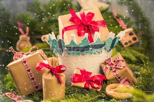Weihnachten Geschenke Socken Dekorationen Niederlassungen Fichte Stock foto © fotoaloja
