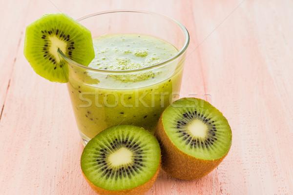 Egészséges étrend gyümölcslé kiwi fa asztal gyümölcs retro Stock fotó © fotoaloja