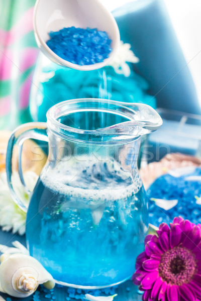 Entspannenden spa Bad aromatischen Gießen Salz Stock foto © fotoaloja