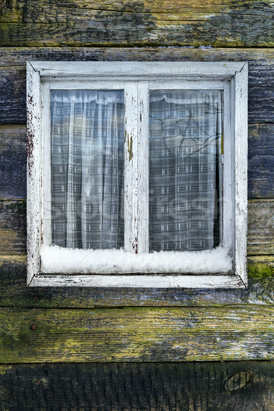 Haveloos venster houten winter huis muur Stockfoto © fotoaloja