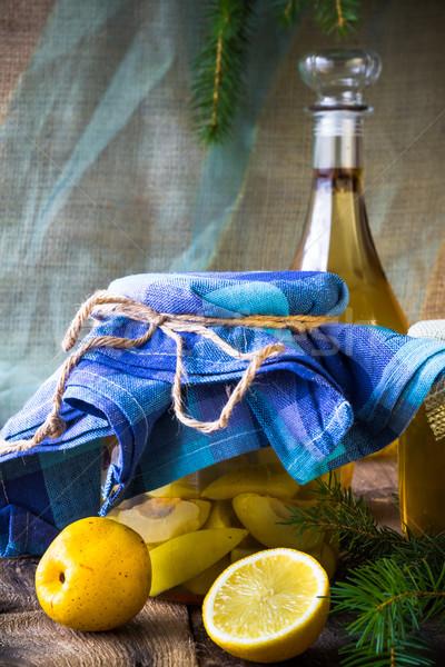 Alcohol jar membrillo licor frutas Foto stock © fotoaloja