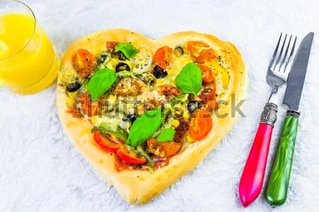 Foto stock: Delicioso · italiano · pizza · servido · mesa · de · madeira · madeira