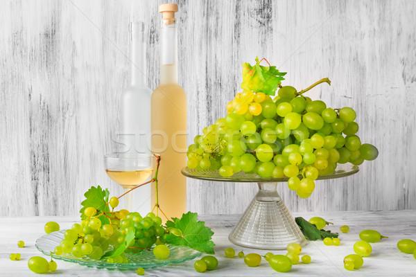 靜物 水果 酒 葡萄 瓶 木 商業照片 © fotoaloja