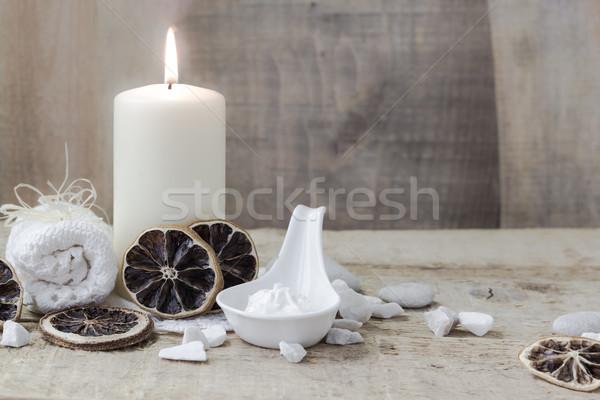 Estância termal bem-estar vela toalha fogo corpo Foto stock © fotoaloja