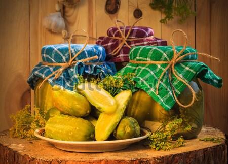 Uborkák tányér savanyúság asztal farm piac Stock fotó © fotoaloja