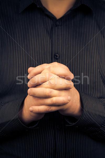 Adam gömlek katlanmış eller el Stok fotoğraf © fotoaloja