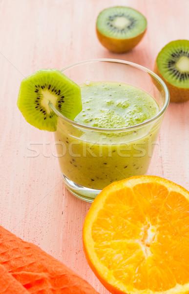 Dieta sana kiwi arancione tavolo in legno frutta Foto d'archivio © fotoaloja