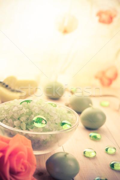 Estância termal sal banho perfumado velas flor Foto stock © fotoaloja